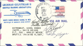 Autographs: COLONEL KAROL J. BOBKO - COMMEMORATIVE ENVELOPE SIGNED CO-SIGNED BY: S. DAVID GRIGGS, HARLEY WEYER