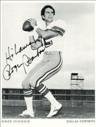 ROGER STAUBACH - AUTOGRAPHED SIGNED PHOTOGRAPH