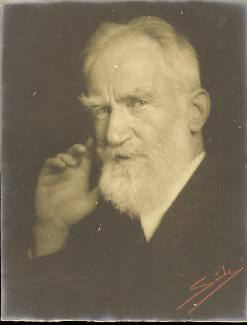 Autographs: GEORGE BERNARD SHAW - INSCRIBED PHOTOGRAPH SIGNED