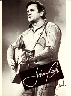 JOHNNY CASH - MAGAZINE PHOTOGRAPH SIGNED
