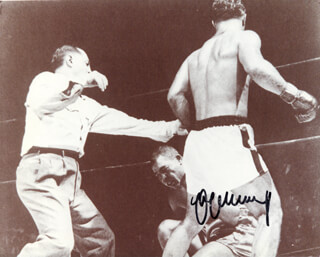 MAX SCHMELING - AUTOGRAPHED SIGNED PHOTOGRAPH