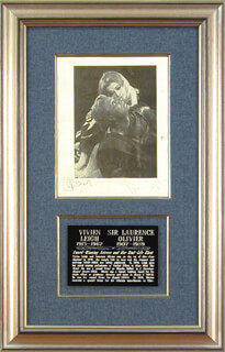TITUS ANDRONICUS PLAY CAST - PHOTOGRAPH MOUNT SIGNED CO-SIGNED BY: VIVIEN LEIGH, LAURENCE OLIVIER