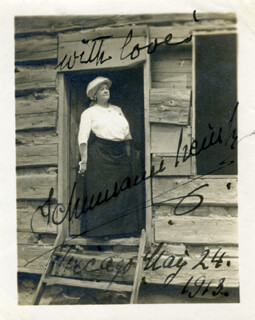 ERNESTINE SCHUMANN-HEINK - AUTOGRAPHED SIGNED PHOTOGRAPH 05/24/1913