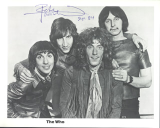 THE WHO (PETER TOWNSHEND) - AUTOGRAPHED SIGNED PHOTOGRAPH 9/1984
