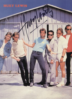 HUEY LEWIS & THE NEWS (HUEY LEWIS) - MAGAZINE PHOTOGRAPH SIGNED  - HFSID 59185