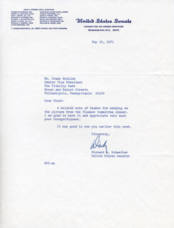 Autographs: RICHARD SCHWEIKER - TYPED LETTER SIGNED 05/26/1971