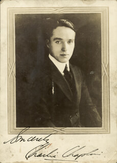 Autographs: CHARLIE THE LITTLE TRAMP CHAPLIN - PHOTOGRAPH SIGNED