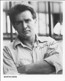 MARTIN SHEEN - AUTOGRAPHED SIGNED PHOTOGRAPH