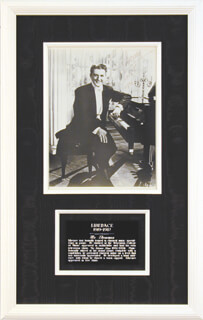 LIBERACE - AUTOGRAPHED SIGNED PHOTOGRAPH 1984