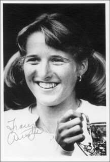 Autographs: TRACY AUSTIN - PHOTOGRAPH SIGNED