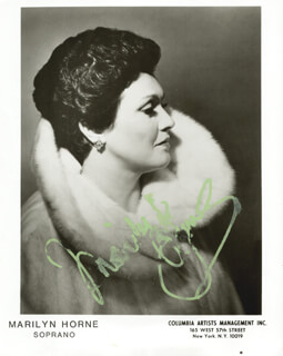 MARILYN HORNE - AUTOGRAPHED SIGNED PHOTOGRAPH