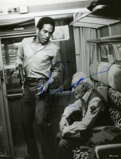 O. J. SIMPSON - AUTOGRAPHED SIGNED PHOTOGRAPH