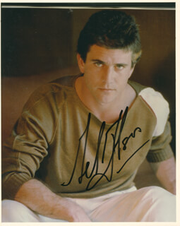 MEL GIBSON - AUTOGRAPHED SIGNED PHOTOGRAPH