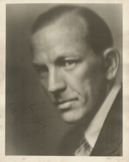 SIR NOEL COWARD - AUTOGRAPHED INSCRIBED PHOTOGRAPH 1933