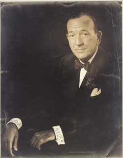 SIR NOEL COWARD - AUTOGRAPHED INSCRIBED PHOTOGRAPH  - HFSID 72282