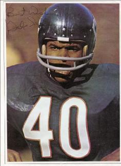 GALE SAYERS - MAGAZINE PHOTOGRAPH SIGNED