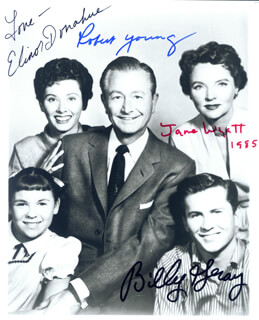 FATHER KNOWS BEST TV CAST - AUTOGRAPHED SIGNED PHOTOGRAPH CO-SIGNED BY: ELINOR DONAHUE, BILLY GRAY, ROBERT YOUNG, JANE WYATT