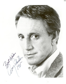 ROY SCHEIDER - AUTOGRAPHED SIGNED PHOTOGRAPH 1985
