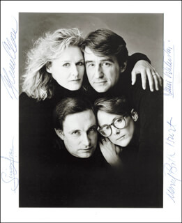 Autographs: BENEFACTORS PLAY CAST - PHOTOGRAPH SIGNED CO-SIGNED BY: GLENN CLOSE, MARY BETH HURT, SAM WATERSTON, SIMON JONES