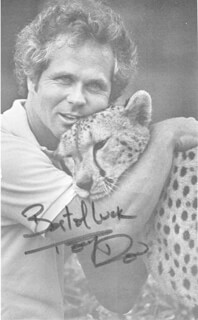 TONY DOW - AUTOGRAPHED SIGNED PHOTOGRAPH