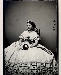 FIRST LADY MARY TODD LINCOLN - PHOTOGRAPH UNSIGNED