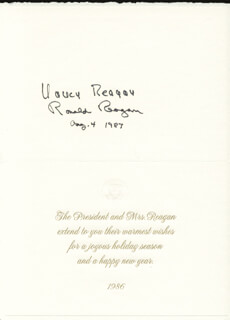 Autographs: PRESIDENT RONALD REAGAN - WHITE HOUSE CHRISTMAS CARD SIGNED 08/04/1987 CO-SIGNED BY: FIRST LADY NANCY DAVIS REAGAN