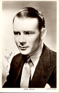 SIR JOHN MILLS - PICTURE POST CARD SIGNED