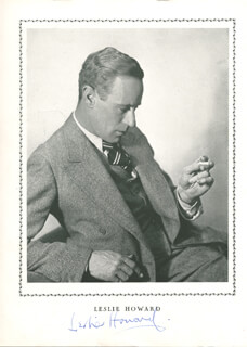 LESLIE HOWARD - MAGAZINE PHOTOGRAPH SIGNED
