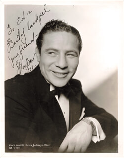 Autographs: MAX BAER - INSCRIBED PHOTOGRAPH SIGNED 1937