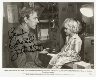 DONALD SUTHERLAND - AUTOGRAPHED SIGNED PHOTOGRAPH