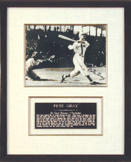 PETE GRAY - AUTOGRAPHED SIGNED PHOTOGRAPH