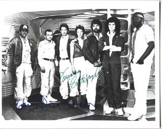 Autographs: ALIEN MOVIE CAST - PHOTOGRAPH SIGNED CO-SIGNED BY: HARRY DEAN STANTON, VERONICA CARTWRIGHT