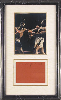 Autographs: MUHAMMAD THE GREATEST ALI - PHOTOGRAPH SIGNED 05/20/1986