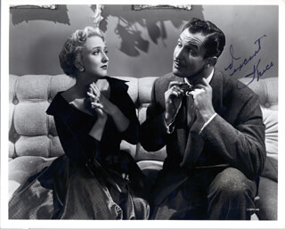 VINCENT PRICE - AUTOGRAPHED SIGNED PHOTOGRAPH