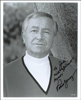 ROBERT YOUNG - AUTOGRAPHED SIGNED PHOTOGRAPH