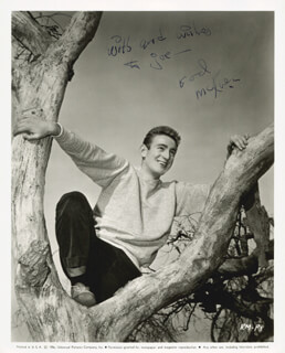 ROD MCKUEN - AUTOGRAPHED INSCRIBED PHOTOGRAPH