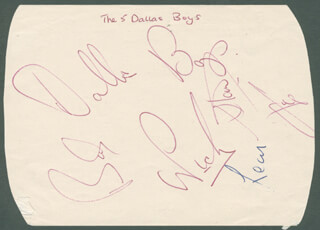 THE DALLAS BOYS - AUTOGRAPH CO-SIGNED BY: LANCE FORTUNE, THE DALLAS BOYS (JOE SMITH), THE DALLAS BOYS (NICKY CLARKE), THE DALLAS BOYS (BOB WRAGG), THE DALLAS BOYS (LEON FISK), THE DALLAS BOYS (STAN JONES)