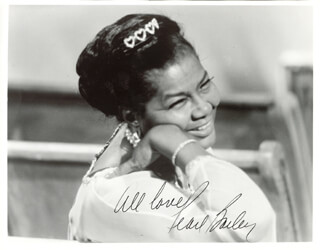 PEARL BAILEY - AUTOGRAPHED SIGNED PHOTOGRAPH  - HFSID 80871