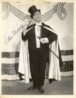 VICTOR MOORE - AUTOGRAPHED SIGNED PHOTOGRAPH