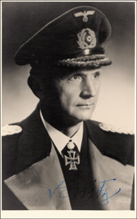 Autographs: GRAND ADMIRAL KARL DONITZ - PHOTOGRAPH SIGNED