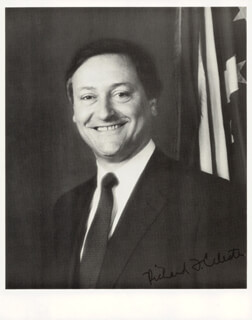 GOVERNOR RICHARD FRANK CELESTE - AUTOGRAPHED SIGNED PHOTOGRAPH