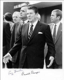 PRESIDENT RONALD REAGAN - AUTOGRAPHED SIGNED PHOTOGRAPH CO-SIGNED BY: PRESIDENT GEORGE H.W. BUSH