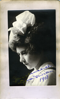 MONA WEE MONA VIVIAN - AUTOGRAPHED SIGNED PHOTOGRAPH 1918