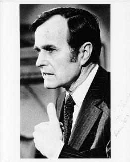 PRESIDENT GEORGE H.W. BUSH - AUTOGRAPHED SIGNED PHOTOGRAPH 12/1975