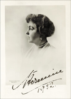 Autographs: EMPRESS HERMINE - PHOTOGRAPH SIGNED 1932