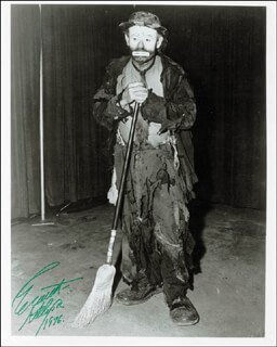 EMMETT KELLY SR. - AUTOGRAPHED SIGNED PHOTOGRAPH 1976