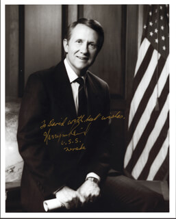 HARRY REID - AUTOGRAPHED INSCRIBED PHOTOGRAPH