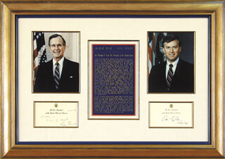 Autographs: PRESIDENT GEORGE H.W. BUSH - COLLECTION WITH VICE PRESIDENT DAN (JAMES DANFORTH) QUAYLE